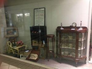Antiques Window CXG Shop